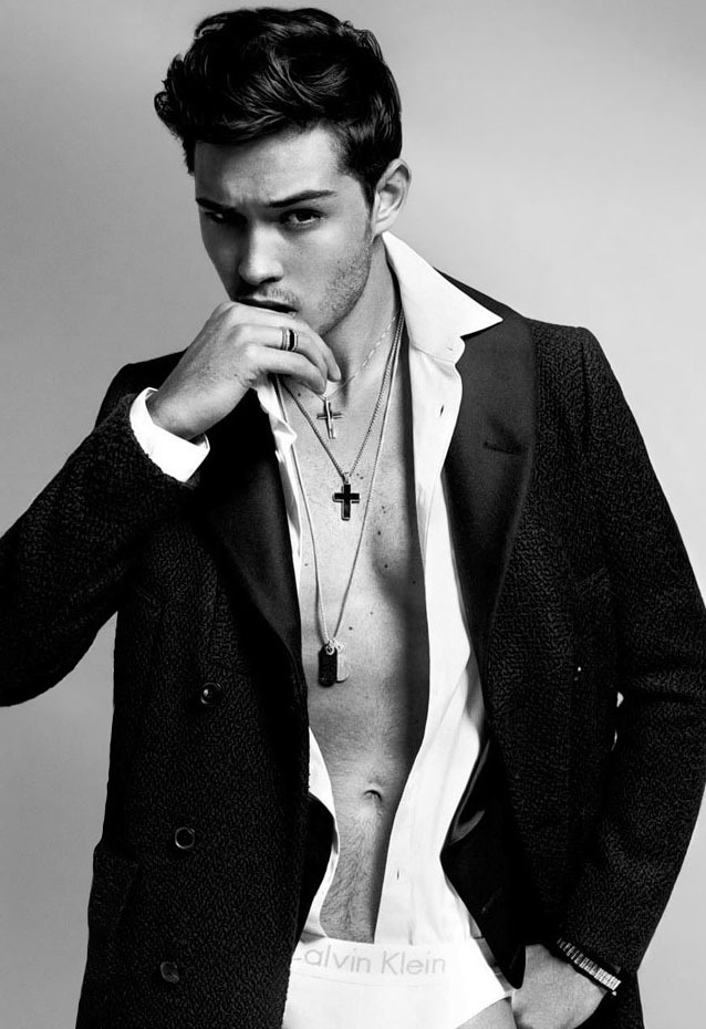 euphoricfixation:  Francisco Lachowski by Sylvain Blais.