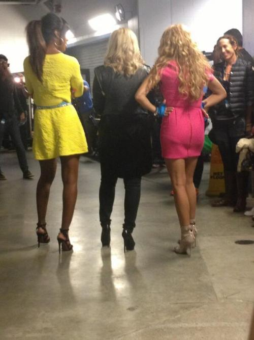 dlovato-news:  Demi, Kelly, and Paulina backstage
