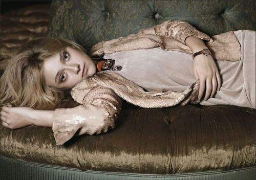 fashion8beauty:  Dakota Fanning