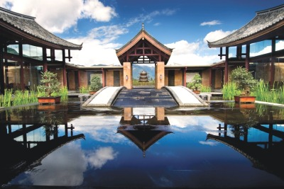 The stunning Banjan Tree Lijiang hotel overlooking Jade Dragon Snow Mountain, China