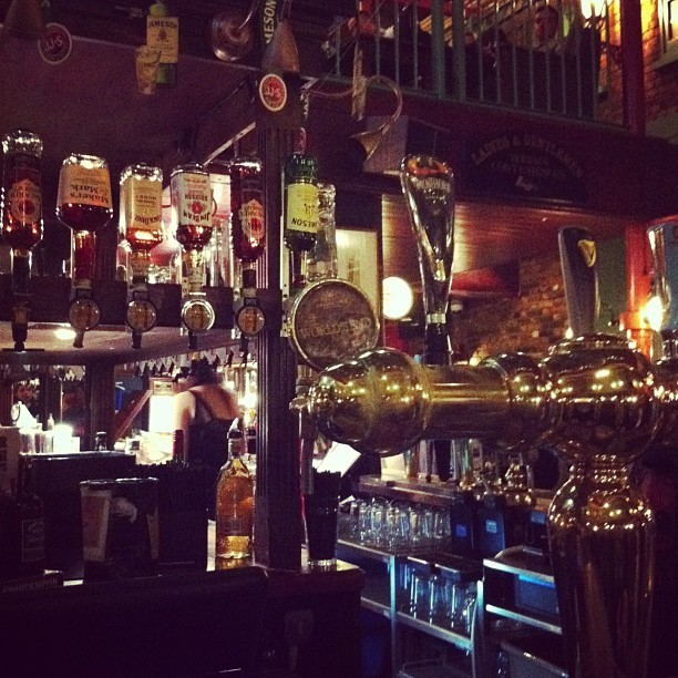 So much bar. Snakebitessss (at The World's End)