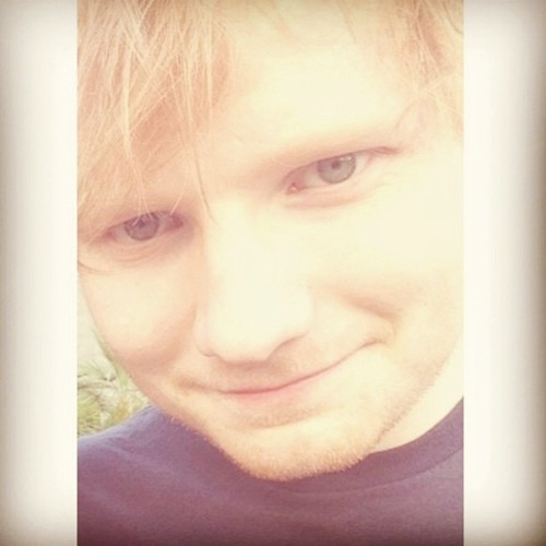 Cutest human being alive💕 #edsheeran #perf