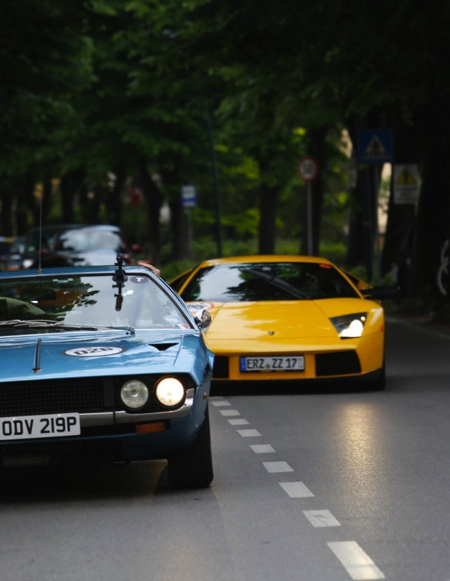 happinessbythekilowatts:  Espada & Murcielago.