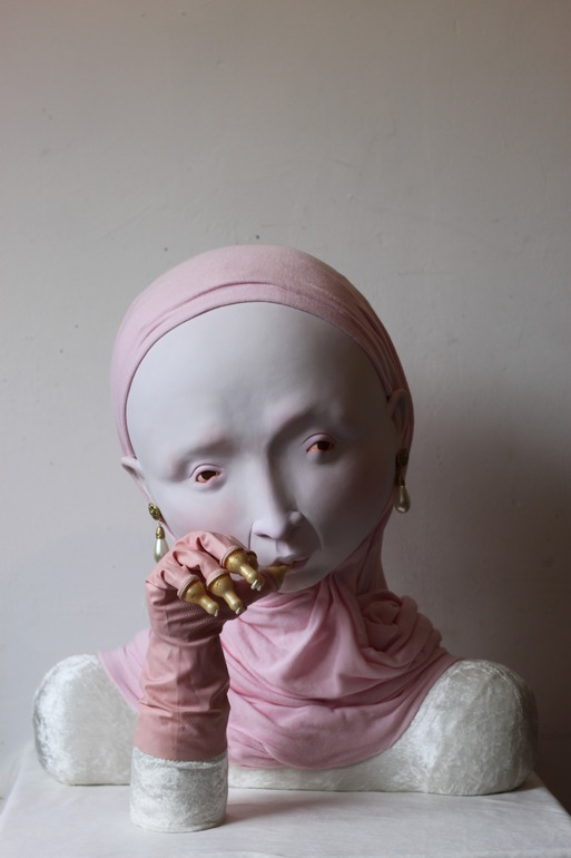 "doloresdepalabra:  Works by Lydia Dekker ""My sculptures are poetic, surreal figures and objects. The clean tactile and fresh use of colour gives the works an image of fun and innocence yet the expression of the works contain deeper emotions. Each individual sculpture embodies different narratives, meanings and personalities. The figurative works are sensitively sculpted, smooth and focused; they are human, mythical, bestiary and have toy characteristics. The figures contain a mix of subtle traces of mythology, pop culture, Japanese pop culture and contemporary design. They are neither hilarious nor serious, on the edge of slimy fantasy and fine art, surreal but subdued."""