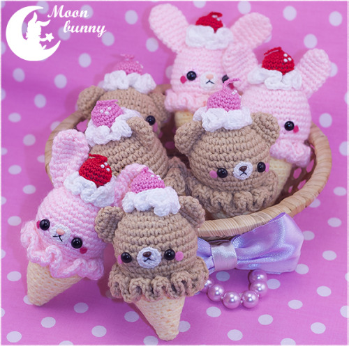 hevenmoonbunny:  Crochet ice-cream bears and rabbits Charm