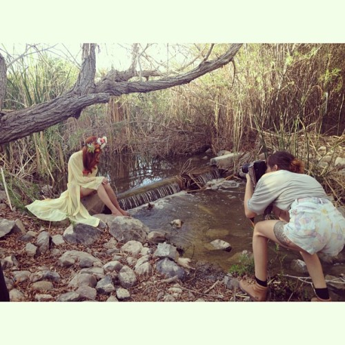 Shit got magical yesterday 🌙 #bts #boho #bohemian #redhead #photographer @ashaefia #makeupartist @ceceosborn