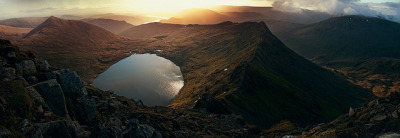 esteldin:  Sunrise at Striding Edge by Paul M. Robinson on Flickr.