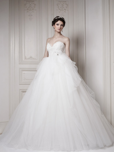 parisianwedding:  Ballgown. Perfection.