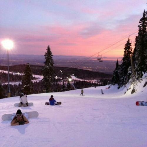 Cant wait to go boarding #winter #sport #snow #snowboard #mountain #sunset #friends #nightboarding #instaphoto #Instagram #perfectview #cypress