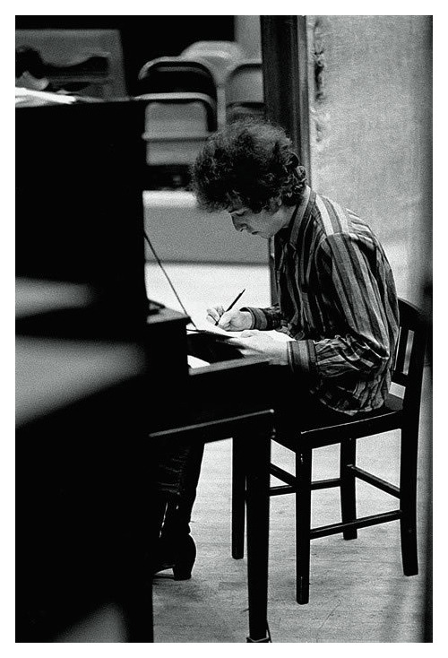 "burnedshoes:  © Jerry Schatzberg, 1965, Bob Dylan, The writer ""I got a head full of ideas, that are drivin' me insane."" ― Bob Dylan, Maggie's Farm     » more photos of famous people «  