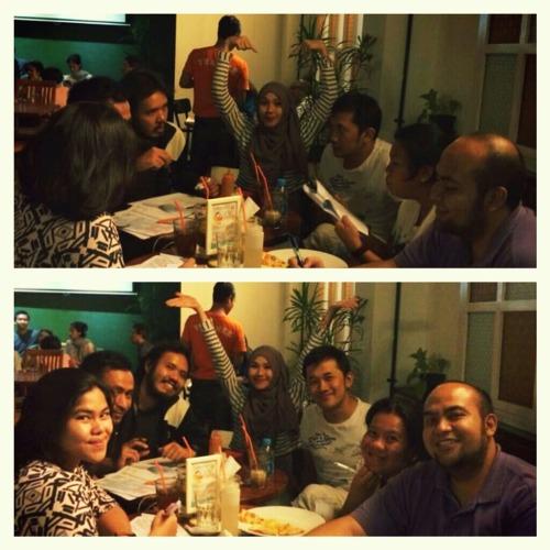 Kalo based on foto bawah, atas keliatan banget ga ya kalo itu setup? #happybirthdayIyaaa #latepost with Widhi, talita, Zaskia, Riri, dodi, and Hanung at Warung Pasta – View on Path.