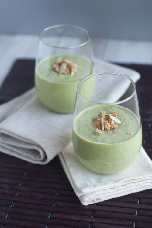 fruitandtea:  Kale Apple Banana Smoothie (vegan adaption of this recipe.) 1 cup almond or coconut yogurt 1-2 dates, pitted 1/2 cup almond or coconut milk 2 tbsp chia seeds 1 tbsp peanut or almond butter 1 heaping cup chopped kale 1 frozen banana 1 medium apple, diced cinnamon to taste Put all ingredients in a blender or food processor and blend until smooth.