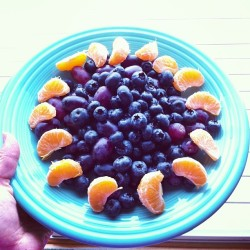 sminksak:  A simple, delicious fruit salad for breakfast #rawvegan #vegan #hcrv #lfrv #healthy #cleaneating #fruit #801010 #breakfast