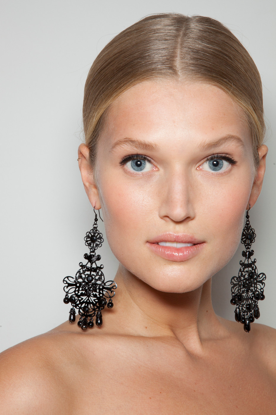 oncethingslookup:  Toni Garrn backstage at Ralph Lauren Spring 2013 RTW