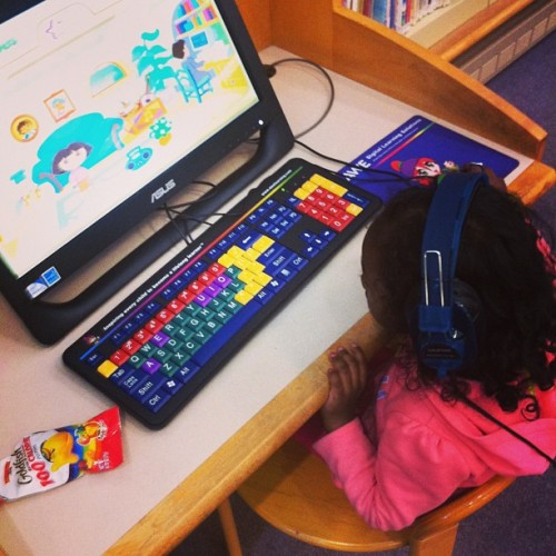 paulflames:  With the baby at the #library #familytime #sundayfunday #books #dora #picofthday (at Central Library)