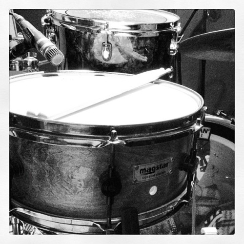 #magstar snare! Awesome sounding hard to find 90s custom snare! #theechoroom #topsoul @skunkass_dankass #snaredrum #recordingstudio #13x5