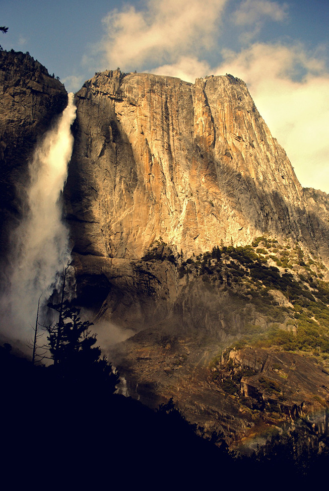 Photo of the Day: Yosemite Falls Photo by: Kyle Norman (Kingston, Ontario, Canada); Yosemite Valley, California