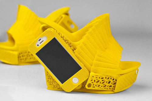 3D Printed iPhone Shoes by Alan Nguyen