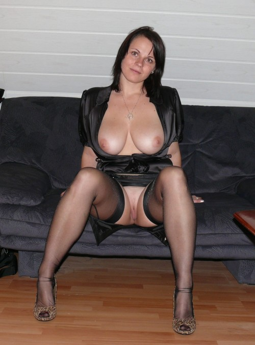 brummyswingers:  Sexy milf in black stockings no knickers on more bored housewives