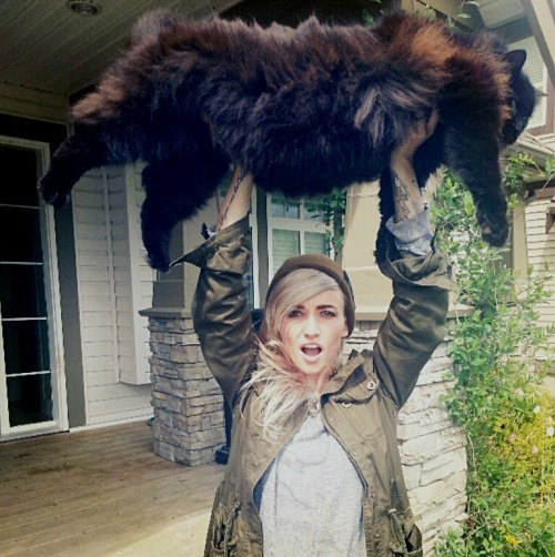 kaybean88:  lightsthings:  That cat is ridiculously large  Hahaha the daily Stanley pictures just get better