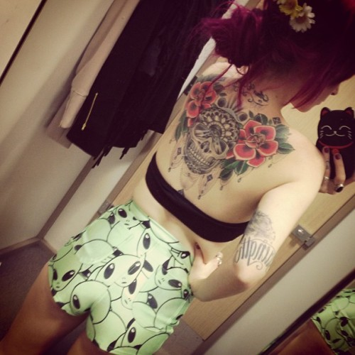 satanswasteland:  those shorts!