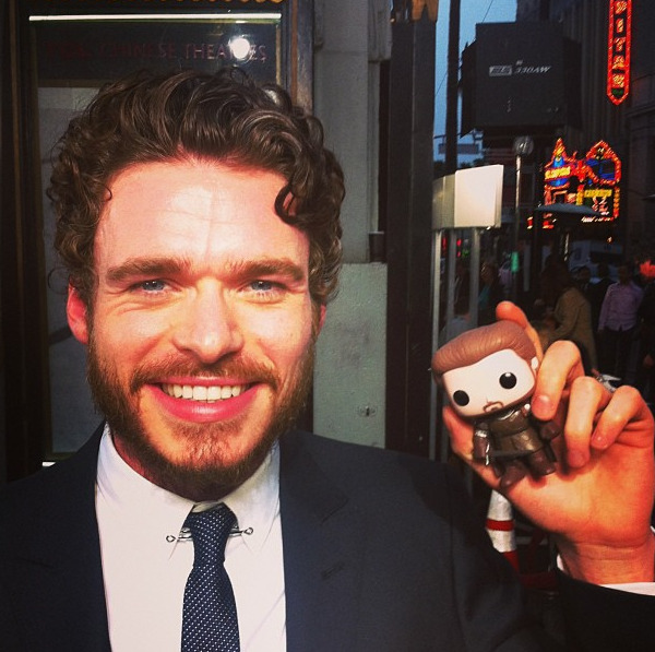 gameofthrones Robb Stark poses with Richard Madden. #gameofthrones #westerosvip