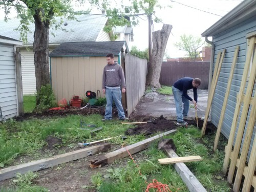 Steven and a friend replaced the back side of the fence this weekend. The left side, back and gate are done now. That just leaves the right side and the finishing touches. Can't wait to get rid of the chain link!