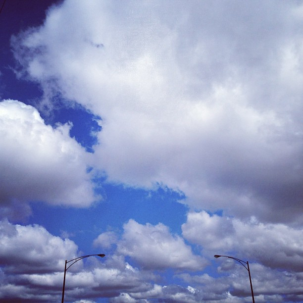 The sky's the limit #scenery #beautiful #chicago #likeforlike #l4l #follow #followme #followback #sky #blue #cloud #weather #sunny #photooftheday #picoftheday #insta #instagram #instalove #instafollow by arianapup on Flickr.A nice change from today's low clouds