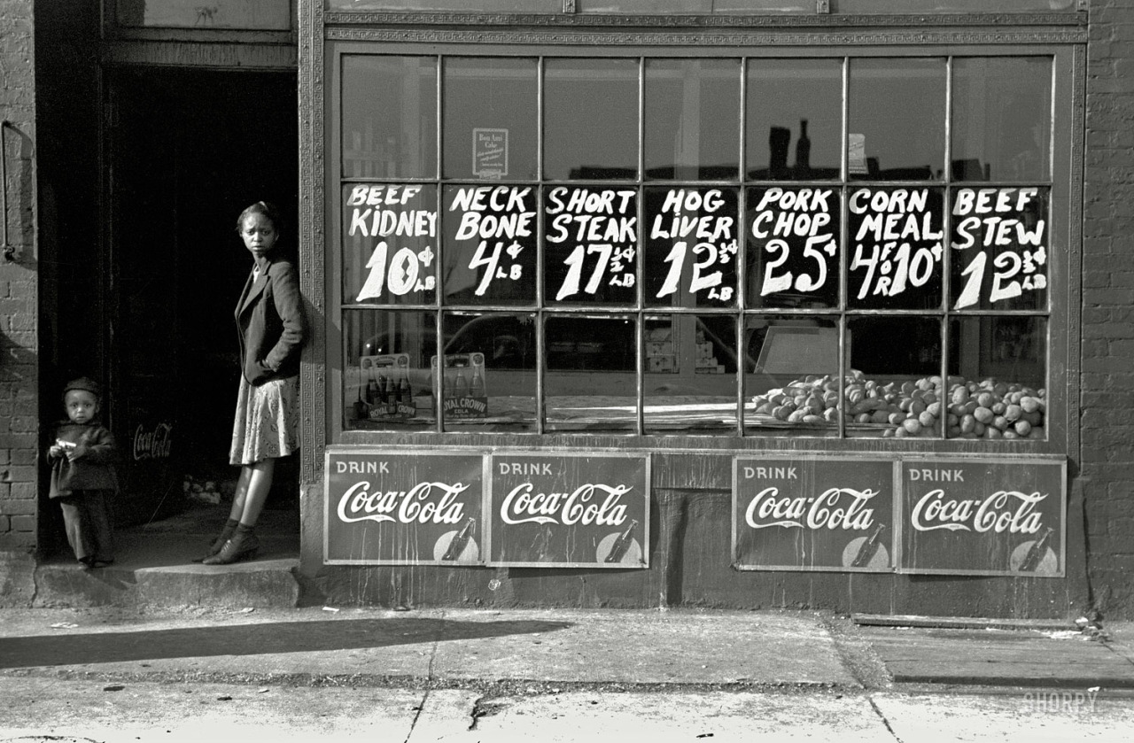 South Side market. Chicago, 1941. By Russell Lee