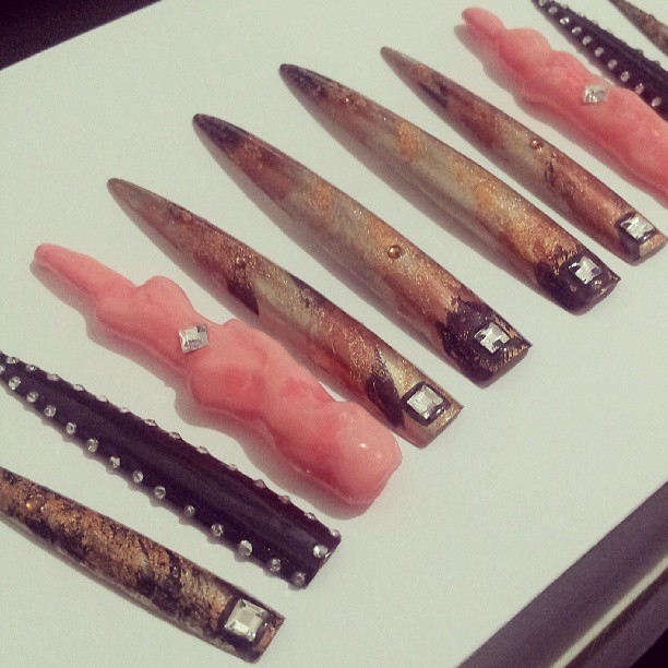 Preview of a set I created for the #CoatedExhibition. #nails #nailart #naillife #stillettonails #elsalonsito