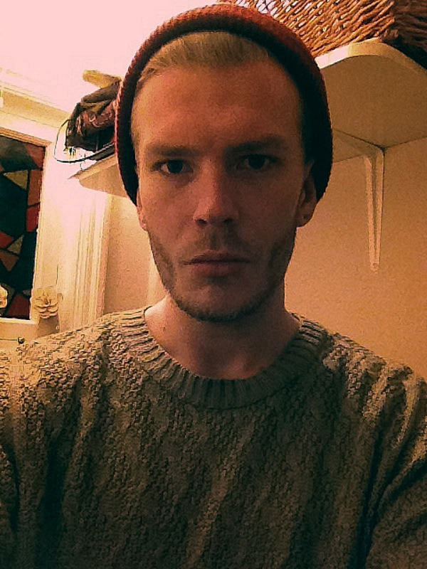 Had to pull out the hat and wooly jumper for this shitty cold weather.