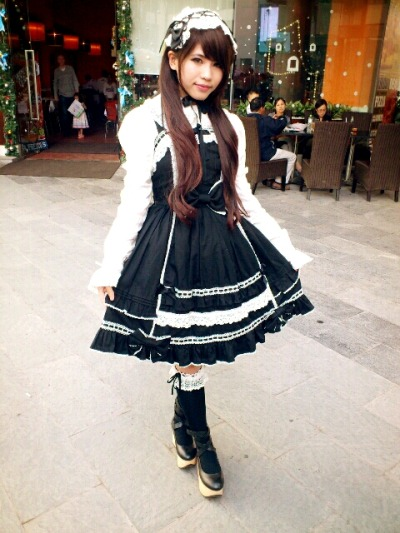 mikchan1511:  Today's outfit: old school lolita
