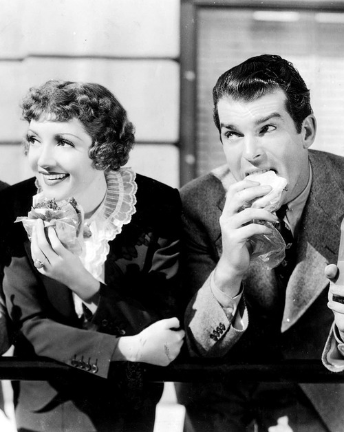 mariedeflor:  Claudette Colbert and Fred MacMurray in The Bride Comes Home, 1935