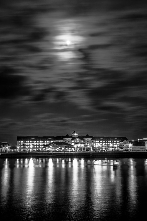 danielchenphotography:  Moonlight Palace Sheboygan, WI  i like dis