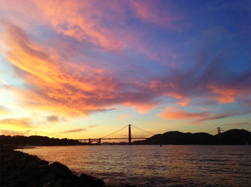 Epic sunset over the Golden Gate Bridge // San Francisco