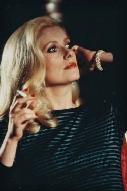 smokingissexy:  Catherine Deneuve