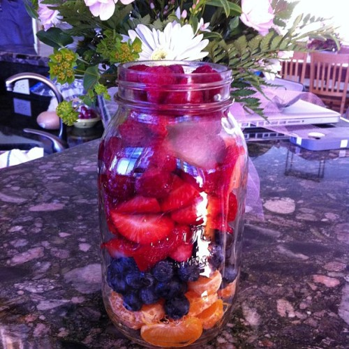 sminksak:  Delicious course to dinner of fresh fruits💐 #rawvegan #vegan #cleaneating #healthyeating #yum #fruit