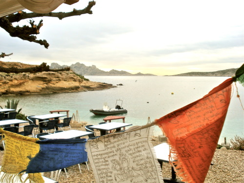 ginandbird:  moietparis:  Calanque Marseille  avec prayer flags…