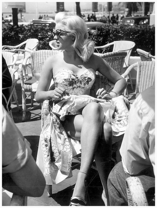 suicideblonde:  Diana Dors at the 1956 Cannes Film Festival