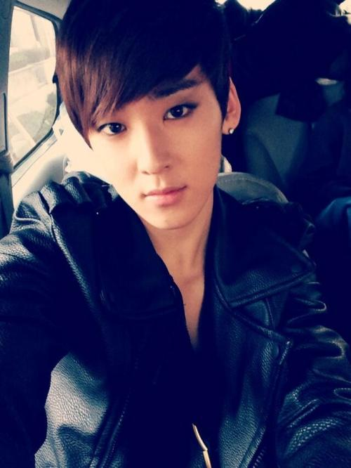 "16 Mar 13 @Kevinwoo91's tweet  ""My all, you are the reason for me baby."" pic.twitter.com/CUFHaNjJxe"