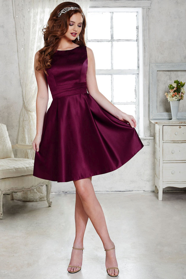 Tiffany Design👗 #fadingrainbows#feminine fashion#strappy heels#tiara #girls and flowers #maroon dress#satin dress#pretty dress#high resolution #1280 x 1920 #myedit#delogoed