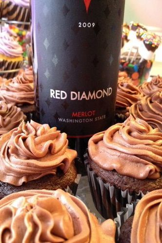 Chocolate Merlot Cupcakes Recipe http://www.oneprojectcloser.com/happy-hour-cupcakes/