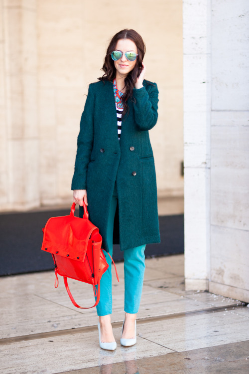 "theinsidesource:  FW Style: Veronica Popoiacu Fashion Blogger and Artist Veronica Popoiacu knows how to wear colors that pop. Her jacket is H&M, her jeansRalph Lauren, and shoes are by Shoemint.com. The one item we can't stop staring at is that awesome hot red bag by Phillip Lim. When The Inside Source asked her how she sifted through eBay, the thrifting fan quickly admitted ""I usually search for vintage jewelry"". (Photo: Melodie Jeng of TheNYCStreets.com. Text by Jauretsi)"