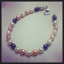 Sweet water pearls bracelet with heart shaped 925 clasp. #jewelry #hearts #girl #fashion #new #shop #shopping #etsy #woman #silver #swarovski #pearls #armcandy #bracelet #creative #ideas #iphonesia #igaddicts #instaart #gift #original #handmade #support #follow #art #artsandcrafts #fun #cute #pretty #boutique *Be sure to visit 👉 www.etsy.com/shop/stitchandcandy