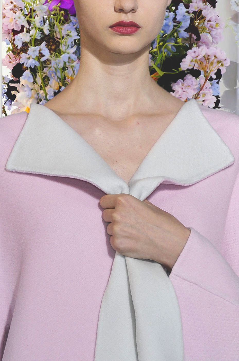 jil sander f/w 2012, details on nastya kusakina x flowers from the decorations on the runway