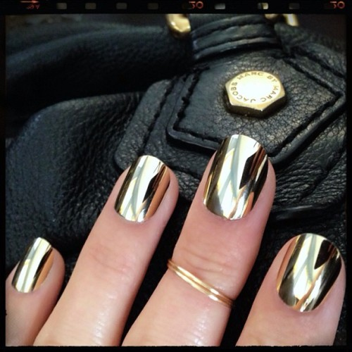 nailinghollywood:  Mhmm. ✨💅⚡