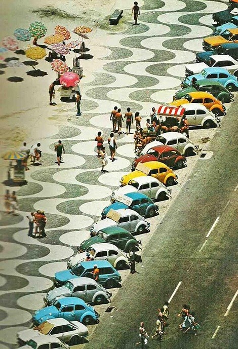 noenespanol:  c.1970: VW Beetles at Copacabana