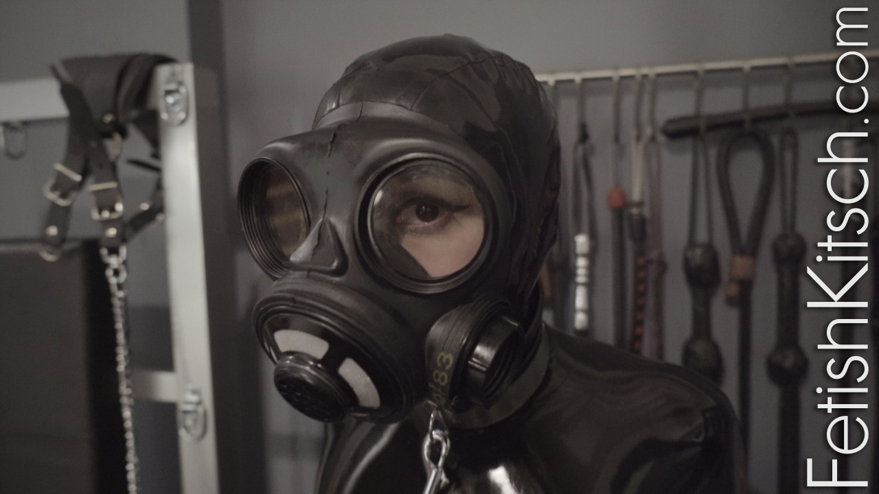 Deep inhale gas mask fetish women