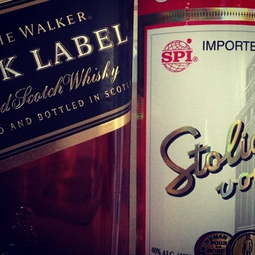 Today's purchases. +gin #gin #vodka #scotch #stoli #hendricks #jw #alcohol #party #premium #cocktails #apartment #savannah #bestfriend #reunion #graphics  (at My Place)