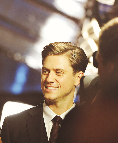 13/25 pictures of Aaron Tveit